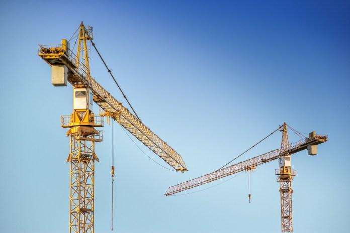 Tödlicher Arbeitsunfall: Bauarbeiter von Kran erschlagen