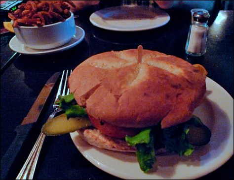 Faste Fou burger, photo by Ed Hawco