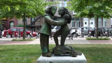 Les amoureux by Robert Lorrain