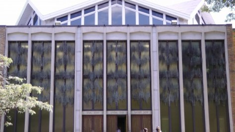 The facade of Temple Emanu-el-Beth Sholom