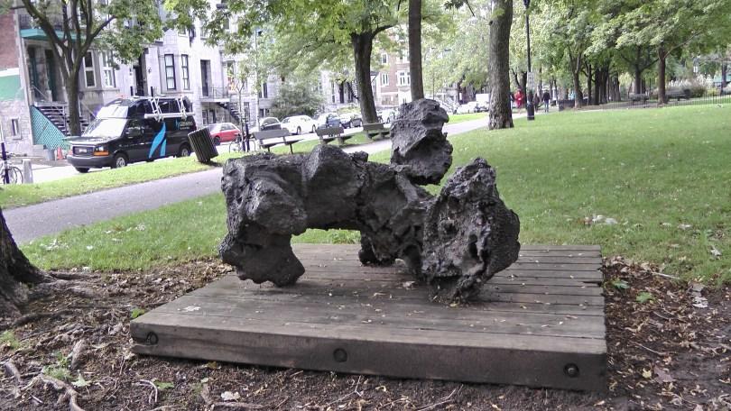 Non titrée (square Saint-Louis) by Armand Vaillancourt