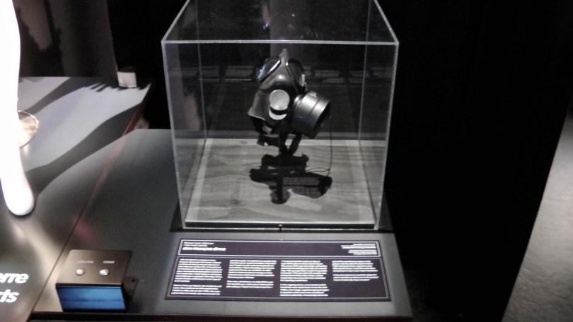 Signed gas mask used by Jean-François Lépine.
