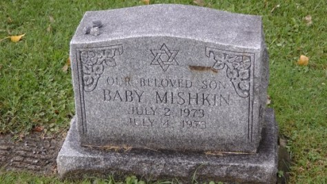 Two day old Mishkin boy's monument at The Baron de Hirsch Cemetery