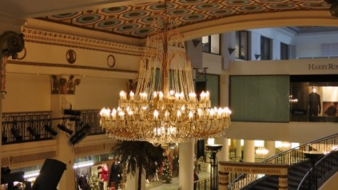 Chandelier in Les Cours Mont-Royal