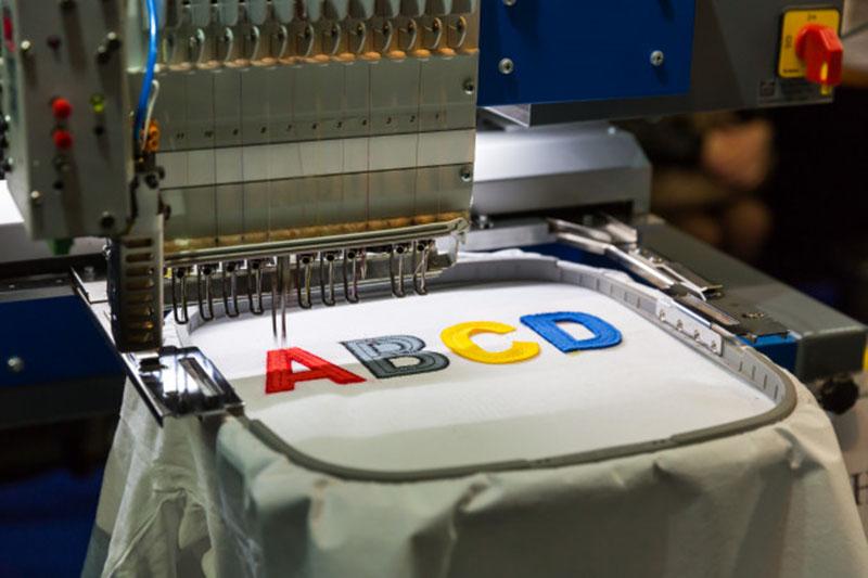 Zeker Bydgoszcz - techniki zdobienia odzieży - haft komputerowy