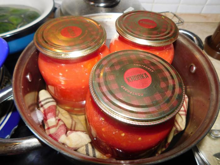 стерилізація помідор в літрових банках