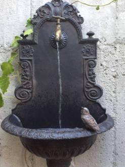 фонтан у винній кімнаті