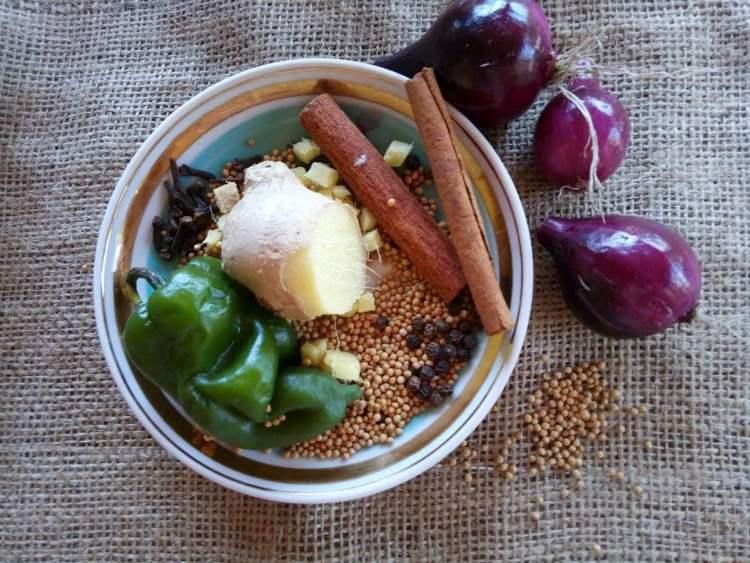 Інгредієнти для індійського соусу чатні