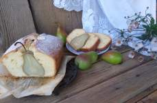 Кекс з цілими грушами – простий рецепт, який неодмінно здивує гостей