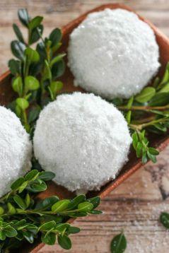 Сніжки для декору