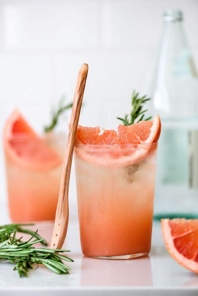Грейпфрутовий коктейль з шампанським
