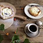 Ватрушки з сиром — простий рецепт ароматної домашньої здоби