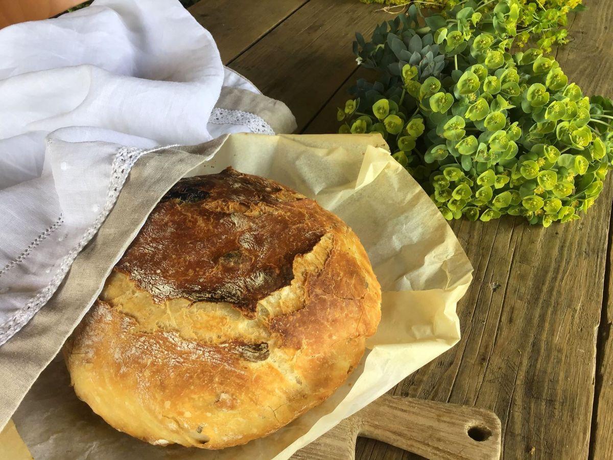Запашний домашній хліб без замісу