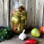 Салат з зелених помідорів — смачний і ароматний