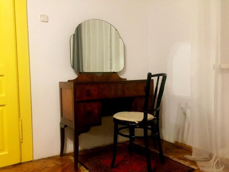 Меблі у інтер'єрі