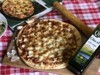 Тісто на піцу за рецептом кулінарної книги «Італійська кухня»