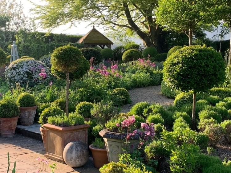 Переможець Back Garden (Задній сад) - Террі Вінтерс з Солсбері