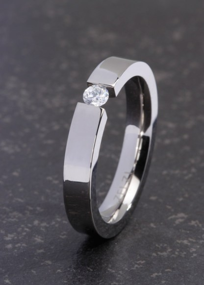Fortini titanium ring
