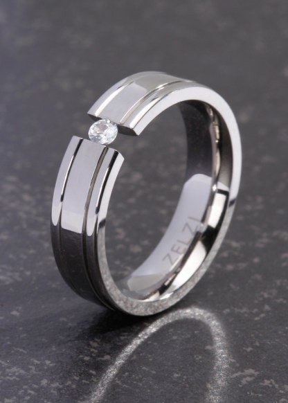 Hera titanium ring