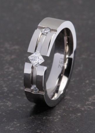 Panthea titanium ring