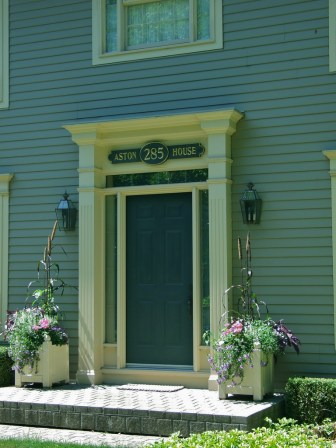 Niagara on the Lake homes_6414130871_l