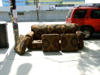 Old couch @ Queen Street_6284510580_l