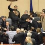 Kuvend, rrihen deputetët shqiptar (VIDEO)