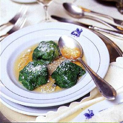 Le lattughe in brodo come da tradizione e qualche variante...