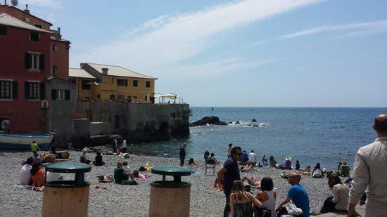 Spiaggia di Boccadase e profilo del ristorante Santa Chiara chef Collami