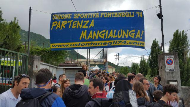 La mangialunga di Fontanegli è un appuntamento tradizionale di bevute e non solo.