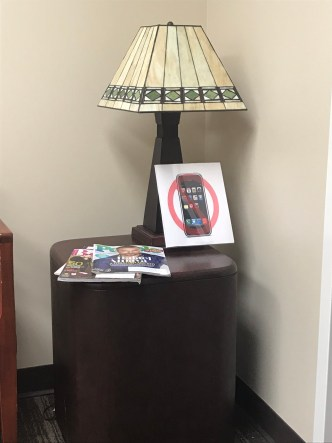 No phone at doctor's office-1