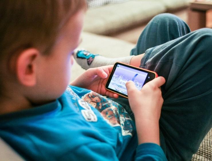 Uništava li tehnologija nove generacije, djeca, mobiteli