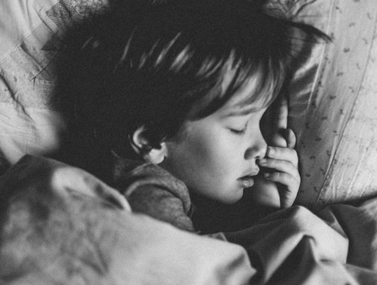 Kako pomoći djetetu s problemom mokrenja u krevet