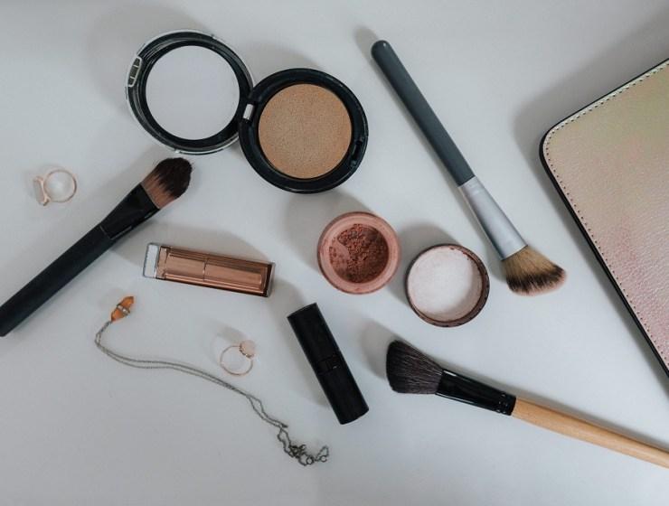 Kako kvalitetno našminkati masnu kožu