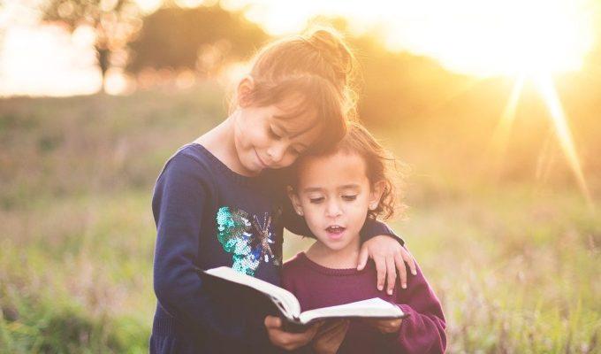 čitati bibliju djeci
