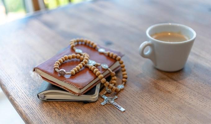 Naučiti djecu moliti