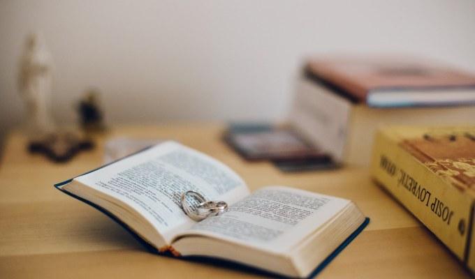Gdje se u Svetom pismu spominje predbračna čistoća/Biblija/Ljubav/Priprema za brak