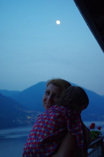 Como Lake with kids - moon