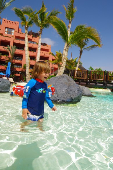 Tenerife with toddler - pool