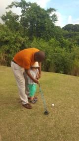 Kids fun: golf lesson