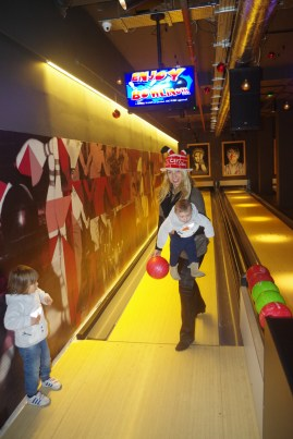 Queens Skate Dine Bowl - bowling with kids