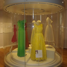 Kensingon palace : Diana's dresses collection