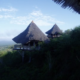Tsavo West, Lions Bluff Lodge