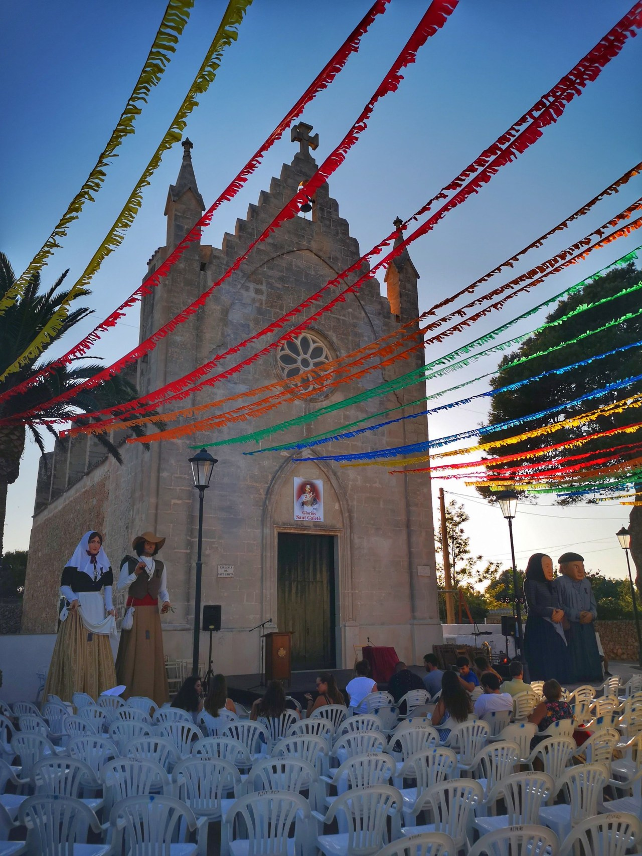 Llucmacanes village - summer fiesta