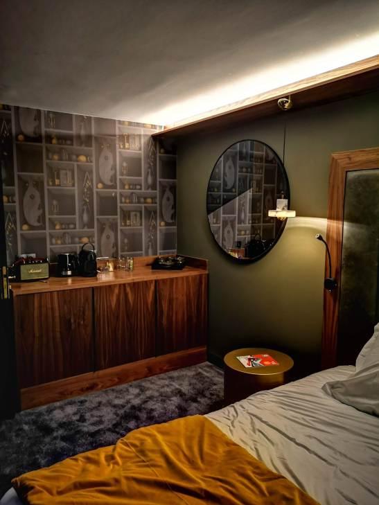 Fahrenheit 7 Courchevel sleek vintage suites