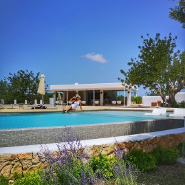 Where to stay in Ibiza ? Can Toni Xumeu for rural luxury and peace