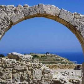 Best things to do Cyprus for kids and explorers : Kourion amphitheatre