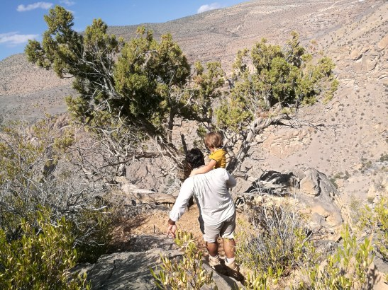 How to travel responsibly? Pick the right hotels and experiences. Alila Jabal Akhdar trekking