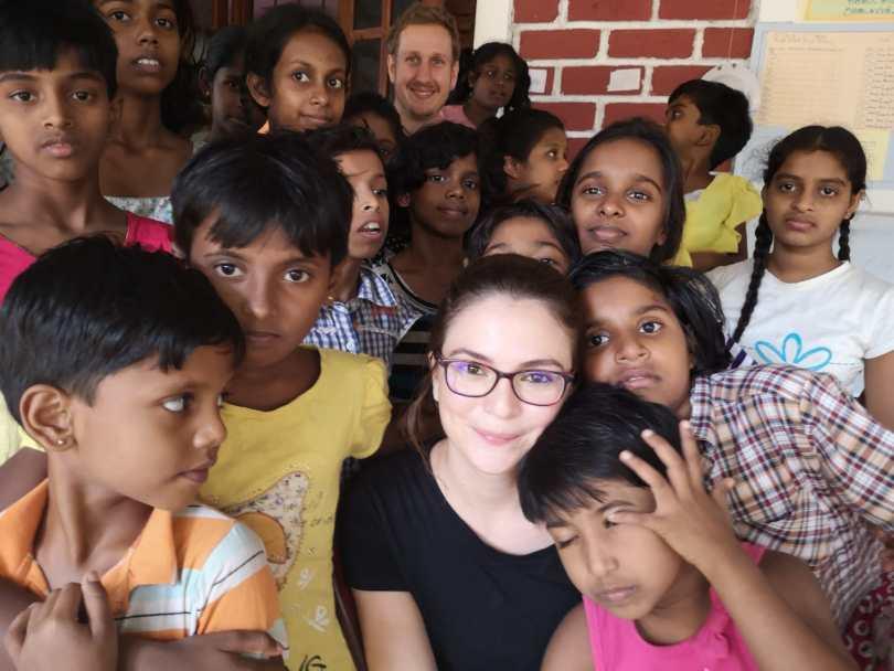 filles de l'orphelinat du temple bodhiraja