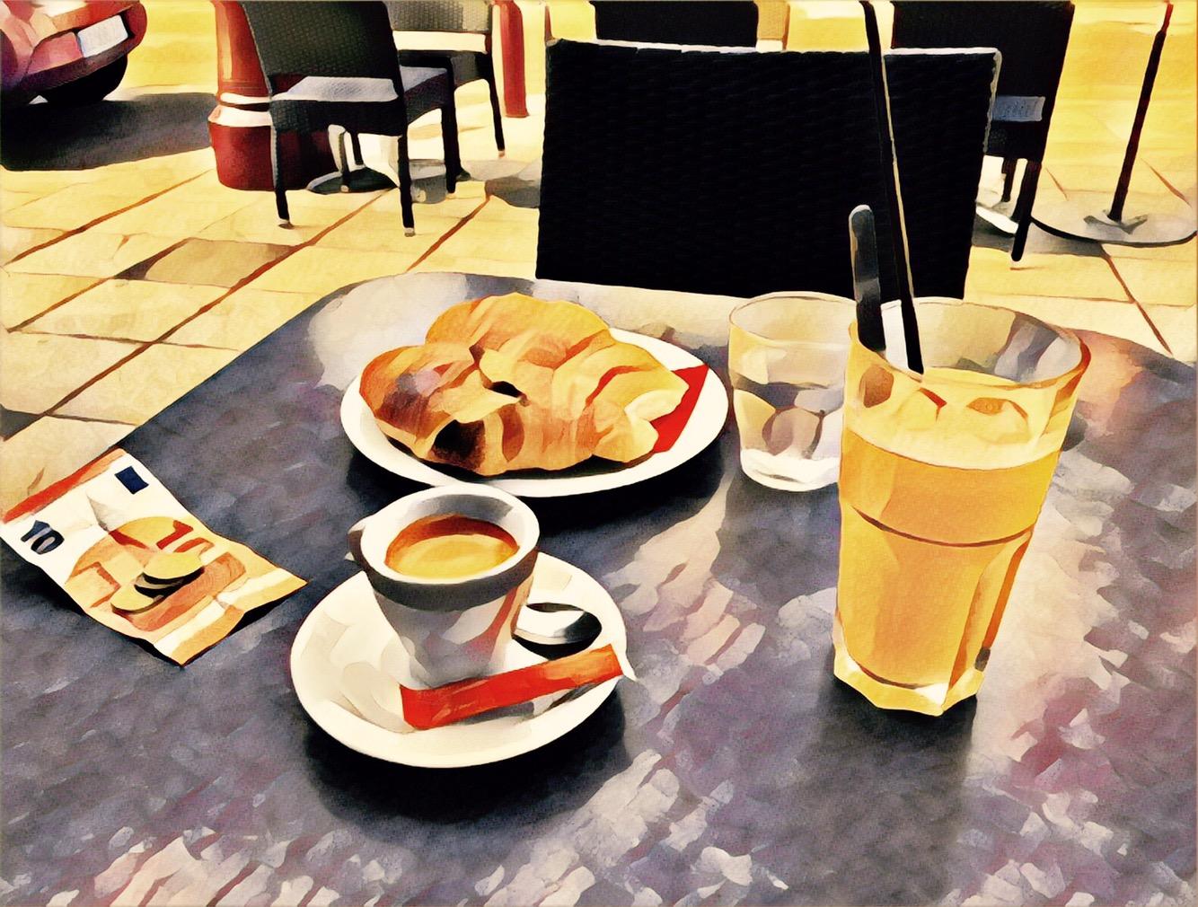 Café Complet en Terrasse d'Été …